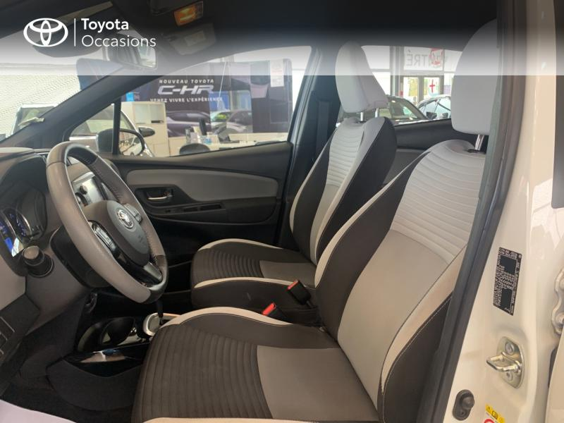 TOYOTA Yaris 100h Collection 5p - 11