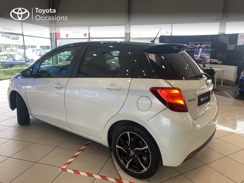 TOYOTA Yaris 100h Collection 5p - 18
