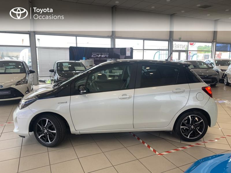 TOYOTA Yaris 100h Collection 5p - 19