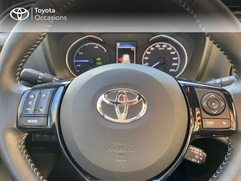 TOYOTA Yaris 100h Collection 5p RC18 - 13