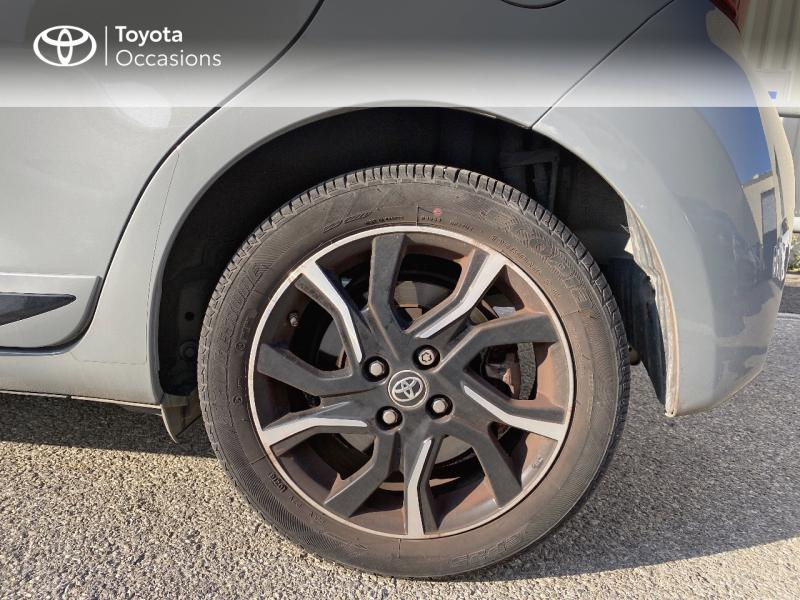 TOYOTA Yaris 100h Collection 5p RC18 - 16