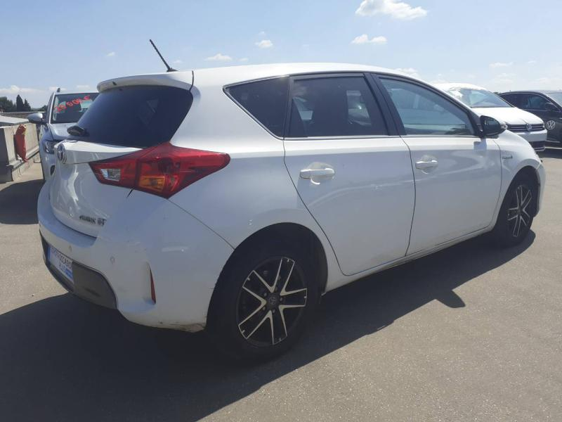 TOYOTA Auris HSD 136h Feel! - 7
