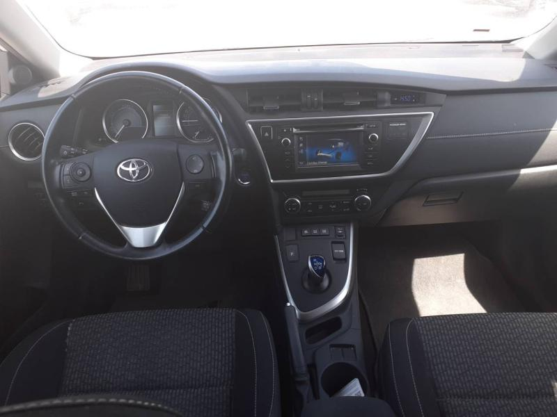 TOYOTA Auris HSD 136h Feel! - 5