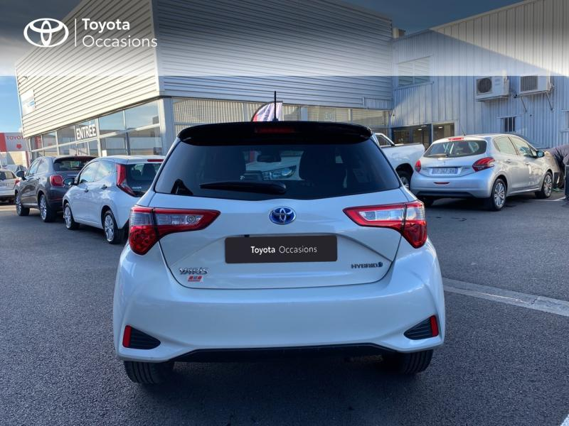 TOYOTA Yaris 100h Collection 5p - 4