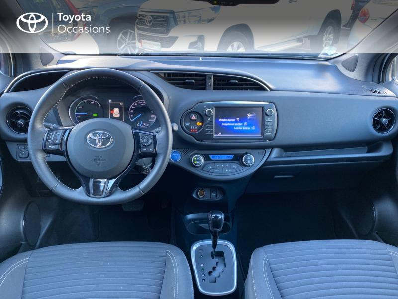 TOYOTA Yaris 100h Collection 5p - 8