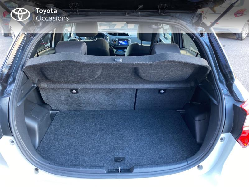 TOYOTA Yaris 100h Collection 5p - 10