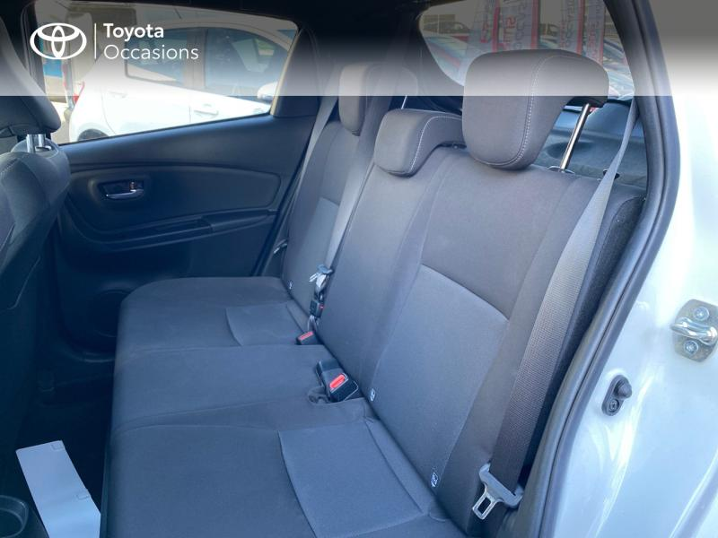 TOYOTA Yaris 100h Collection 5p - 12