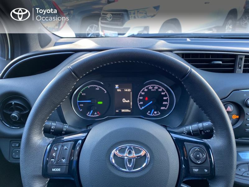 TOYOTA Yaris 100h Collection 5p - 13